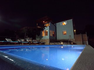 Villa Mili with pool and sea view, Rogoznica
