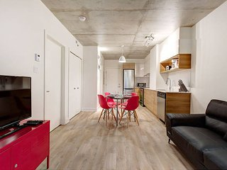 1BR-Business-Quiet-Griffintown-Modern&Peaceful!