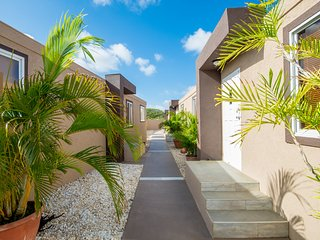 Xanthys #2 Close to Eagle Beach and Great Restaurants, Palm/Eagle Beach