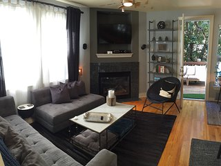 3BR/3.5BA Smart home with Gym (near downtown)