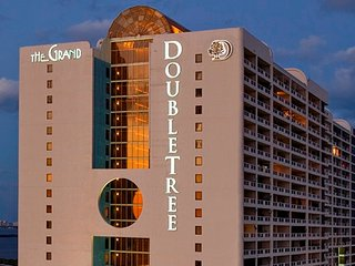 1BR / 1.5Bath Apt at DoubleTree The Grand Hotel