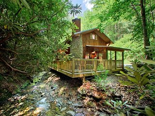 Cottage on The Creek, Gatlinburg