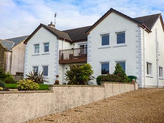 FIRTH HOUSE, spacious detached property, three reception rooms, garden, balcony,