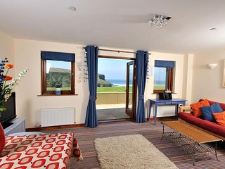 3 White Lodge (03WHLO), Mawgan Porth
