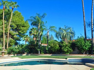 Stunning 3 BR Single Level Home in Scottsdale w/ Private Pool and Jacuzzi