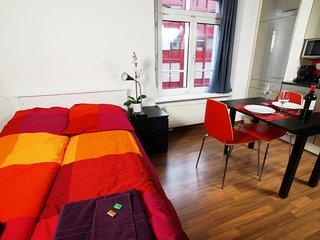 ZH Cranberry - Oerlikon HITrental Apartment Zurich