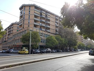 TRASTEVERE: Large, Panoramic, Modern Apartment, 5th fl, 3 terraces, parking free