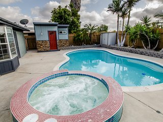 3 Bdrm Home w/Salt Water Pool & SPA--Near All!