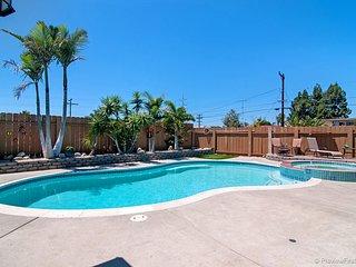 3 Bdrm Home w/Salt Water Pool & SPA--Near All!