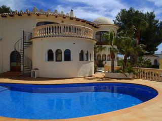 Nr MORAIRA CASTILLO del SOL, Nr GOLF COURSE, Sleeps 10 Private Pool wifi UKTV