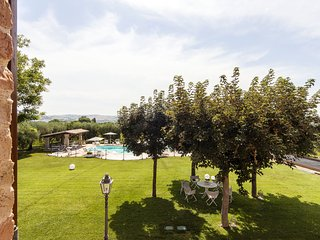 Villa Pedossa, Il Ciliegio, lovely apt. in typical country Villa w/pool&Jacuzzi