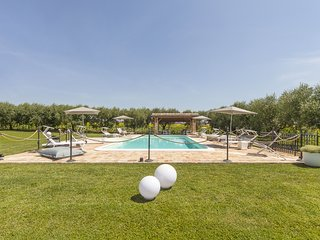 Villa Pedossa, L'Olivo, Deluxe apt. in typical country Villa with pool&Jacuzzi