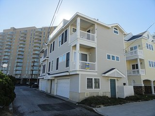 309 Corinthian Avenue 1st Floor 132400