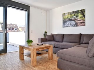 3-Bedroom Furnished Apartment Stuttgart Downtown