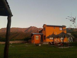 Posada Sierra Magenta. Habitaciones c/baño para 2-3 y 4 personas. Desayuno incl., Los Hornillos