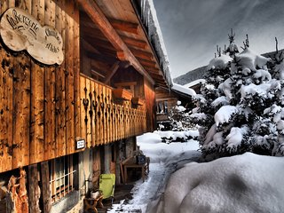 La Bergerie room A shower/wc + wifi 3p/12 private parking in centre ski resort, Les Carroz-d'Araches