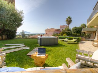 ♥HolidayVilla♥Rome&Naples 6+2 ☼Seaview☼Garden WiFi 3bedrs 3 bathrs Airco Heating, Formia
