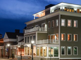 84 MAIN (Read the reviews!) Amazing! In Historical Kennebunkport, ME  KENNEBUNK