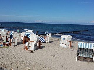 Gemütliche Ferienwohnung an der Ostsee, mit Strandkorb, Garten-200m zum Strand