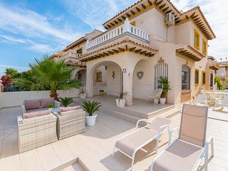 Beautiful Villa in Cabo Roig Torreveija