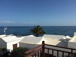 Bungalow Sol Valor in Playa Honda at the beach