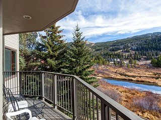 Private Hot Tub, Walk to Slopes in Keystone