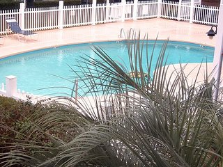 Golf Colony Resort comfortable 2bd/1.5ba Villa overlooking pool-15C