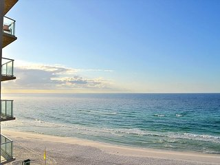FREE WIFI, GOLF, FISHING! Relax with an unbelievable beach & Gulf water view