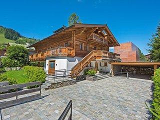 Chalet Weiss Spa, Sleeps 14, Kitzbühel