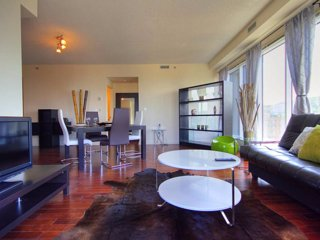 Downtown-2BR MTL-Breathtaking!