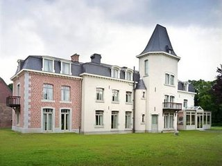 "Château de Bernalmont ""The place to stay"", Lieja"