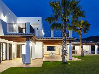 Luxury & Nature‬ Ibiza Villa