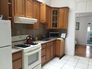 4 bedroom/1.5 bath convenient location,quite and clean near Golden Gate Park, San Francisco