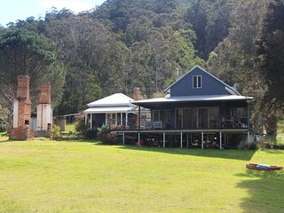 The Old School House - Hunter Valley, Wollombi