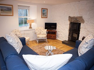 Dave's Pad - Fisherman's Cottage - Central St Ives - Sleeps 8 - Pet Friendly