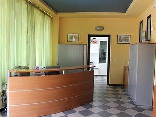 """Alloggiare al Kaos da Pirandello: appartamento """"Camilleri """", Porto Empedocle"""