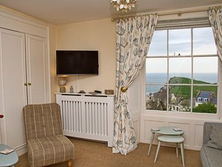 Seagrass Apartment, beautiful sea views, parking, Ilfracombe