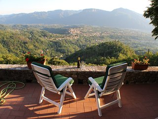 Villa in Tuscan hilltop village above Barga