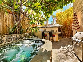 Ocean views, steps to Windansea Beach, private backyard with Jacuzzi, La Jolla