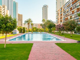 STUDIO HANNIBAL 1 BENIDORM 200mt from beach 2 swimming pools
