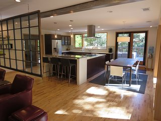 Modern 2 BD on Boulder Creek