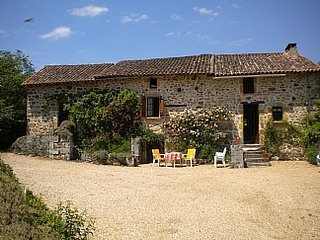 Dordogne farmhouse, Private Pool, Sleeps up to 10, St Martin de Fressengeas, Saint-Martin-de-Fressengeas