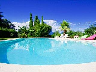 villa Paradiso a pochi metri dalla spiaggia di Pisenze, Manerba del Garda