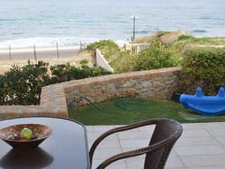 Sea View Beachfront Villa Katrin