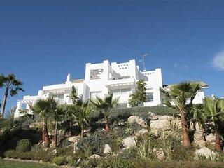 Luxury Alcazaba Lagoon, Estepona, Casares, Malaga, Costa Del Sol 2 Bed/Sleeps 4