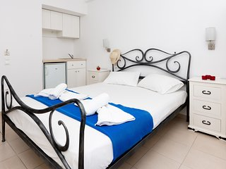 Superior double room in naxos town