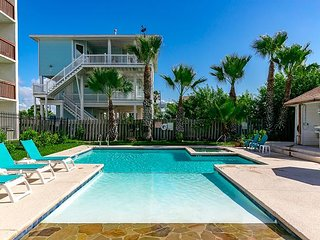 Gulf View Seabreeze Suites Condo in Old Town Port A