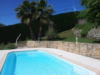 Beautiful villa, pool/views near Lac de St Cassien