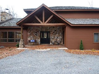 Truly majestic Mountain Majesty is rental royalty. Book your stay today!
