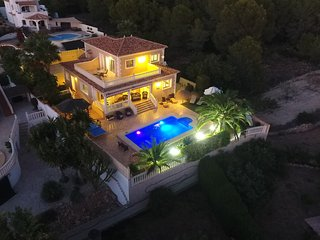 Luxury Individual Villa - 5 STAR REVIEWS - Heated Pool, Calpe